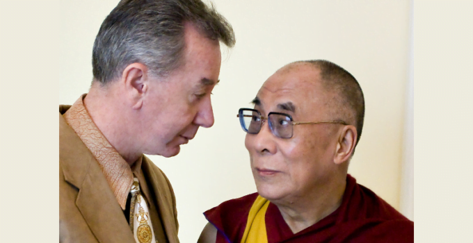 Dalai_Lama_and_TOM_MOWER_SISEL