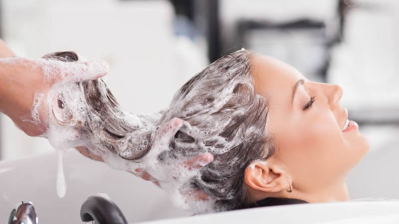 How does shampoo work? Does it make your hair growth?